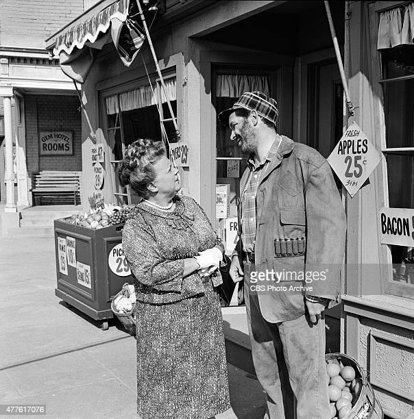 SHOW episode 'Goober Makes History' Aunt Bee and Goober Image dated August 1 1966 Season 7 episode 14