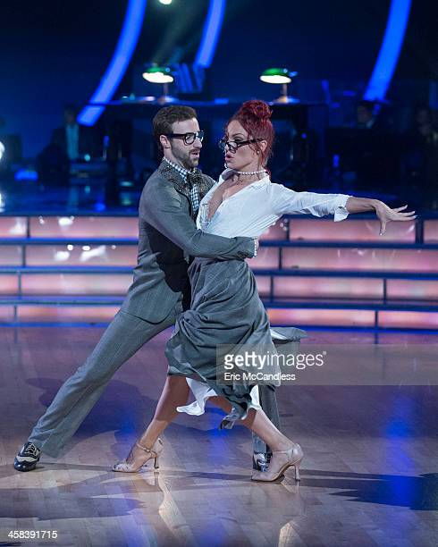 STARS Episodes 2311 After weeks of stunning competitive dancing the final four couples advance to the finals of Dancing with the Stars live MONDAY...