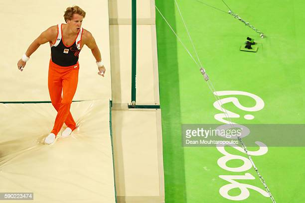 Epke Zonderland of the Netherlands stumbles after he falls while competing on the Horizontal Bar Final on Day 11 of the Rio 2016 Olympic Games at the...