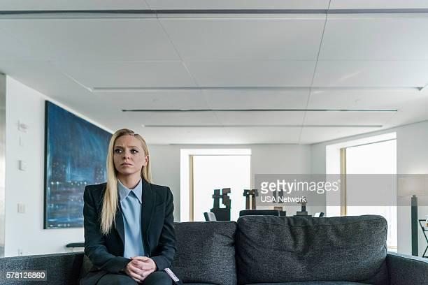 MR ROBOT eps21_k3rnel%u2010pan1cksd Episode 203 Pictured Portia Doubleday as Angela Moss
