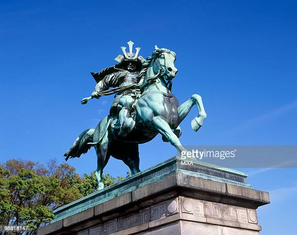 equestrian statue of kusunoki masashige, chiyoda, tokyo, japan - imperial palace tokyo stock pictures, royalty-free photos & images