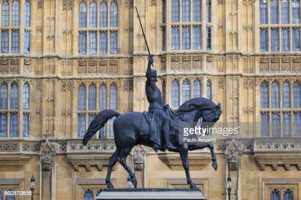 Equestrian statue of Richard 1st of England in London