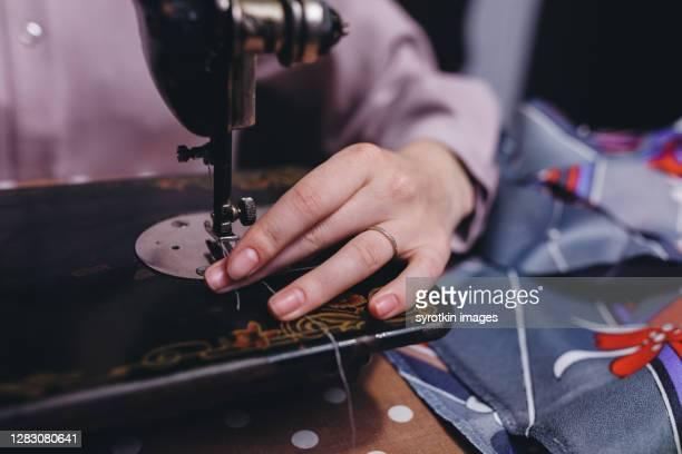 equimpent for tailoring - デザイナー服 ストックフォトと画像