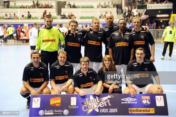 Equipe Noire - - Foot Concert 2009 - Evenement caritatif reunissant stars du football et de la chanson au profit de l association Huntington - Palais...