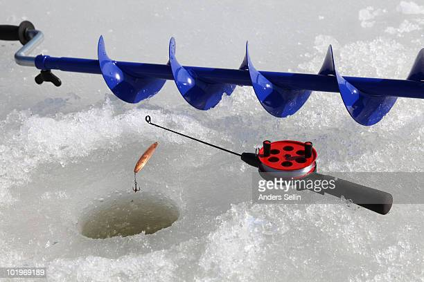 Equipment for winterfishing