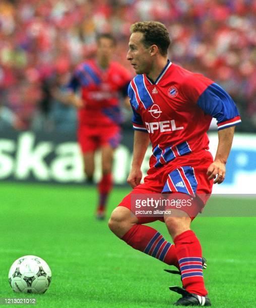 Er kam sah und siegte JeanPierre Papin 31jähriger französischer Nationalstürmer in Diensten des deutschen Rekordmeisters FC Bayern München beendete...