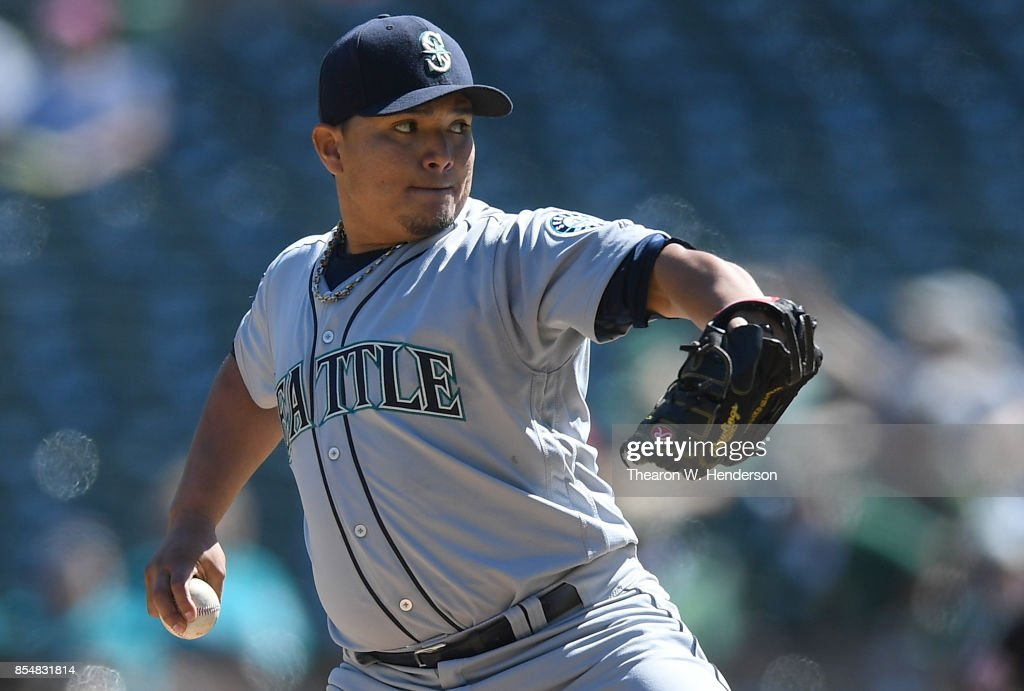 Erasmo Ramirez #31 of the Seattle Mariners pitches against the Oakland Athletics in the bottom of the first inning at Oakland Alameda Coliseum on September 27, 2017 in Oakland, California.