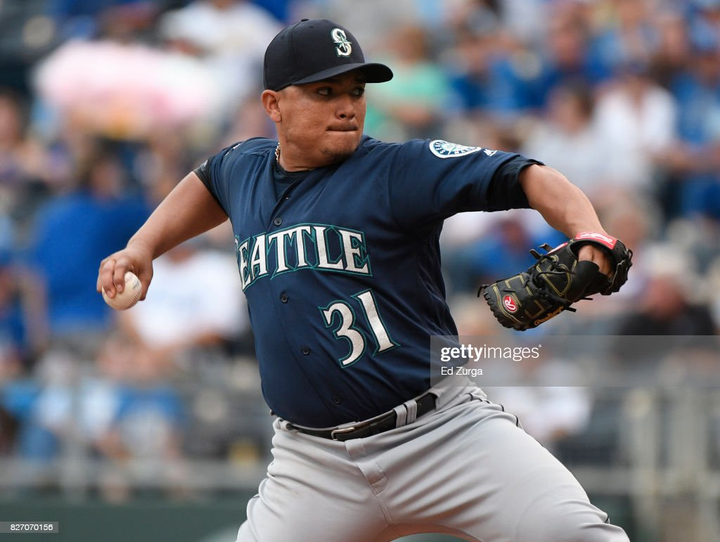 Erasmo Ramirez #31 of the Seattle Mariners throws in the first inning against the Kansas City Royals in game two of a doubleheader at Kauffman Stadium on August 6, 2017 in Kansas City, Missouri.