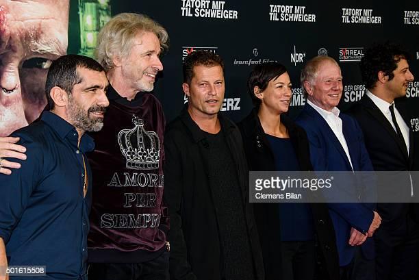 Erdal Yildiz Thomas Gottschalk Til Schweiger Marlene Shirley Wolfgang Petersen and Fahri Yardim attend the 'Tatort Der Grosse Schmerz' premiere in...