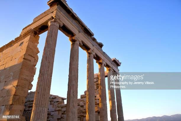 erechtheion, athenian acropolis - diosa atenea fotografías e imágenes de stock