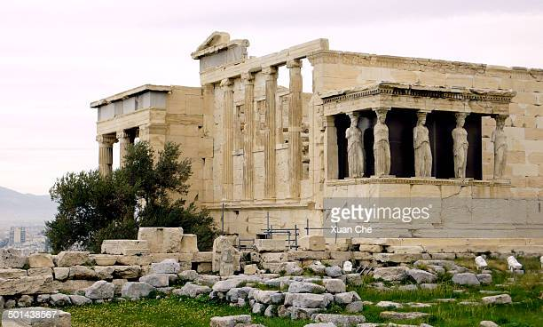 erechtheum on athens acropolis - xuan che stock pictures, royalty-free photos & images