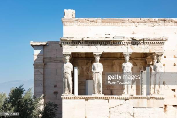 erechtion, temple in honor of athena and poseidon on acropolis hill, athens - diosa atenea fotografías e imágenes de stock