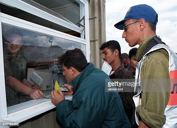 Eröffnung der Verbindung ' sichere Passage ' zwischen dem Gazastreifen und dem Westjordanland durch israelisches Staatsgebiet: bei der Ankunft von...