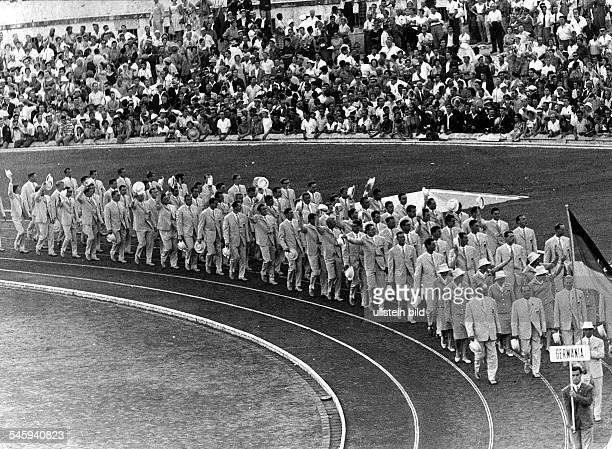 Eröffnungsfeier im Olympiastadion Einzug der gesamtdeutschen Mannschaft