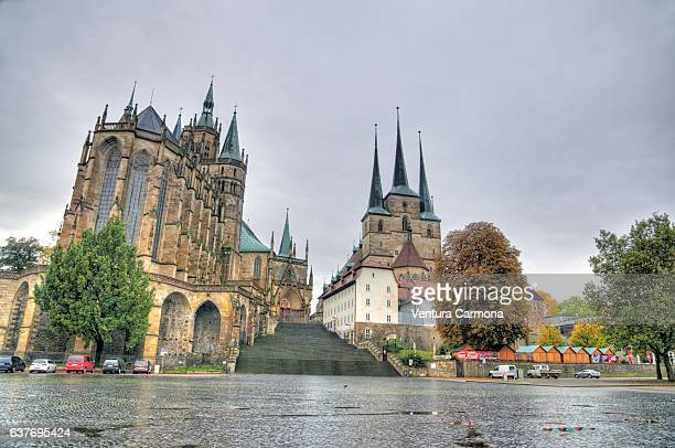 erfurt cathedral and st. severus church - germany - marktplatz stock-fotos und bilder