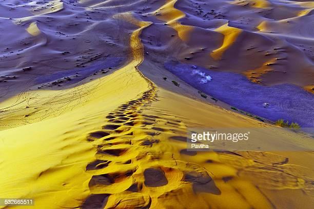 Dunas de Erg Chebbi en crepúsculo, Marruecos, África del Norte