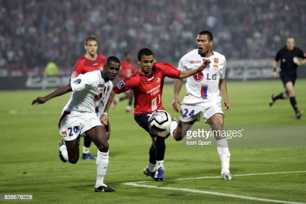 Eric ABIDAL / Peter ODEMWINGIE Lille / Lyon 37e journee Ligue 1