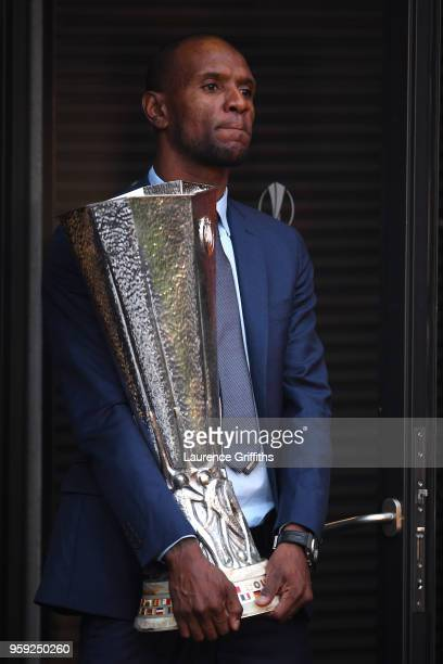 Eric Abidal walks out with the trophy ahead of the UEFA Europa League Final between Olympique de Marseille and Club Atletico de Madrid at Stade de...
