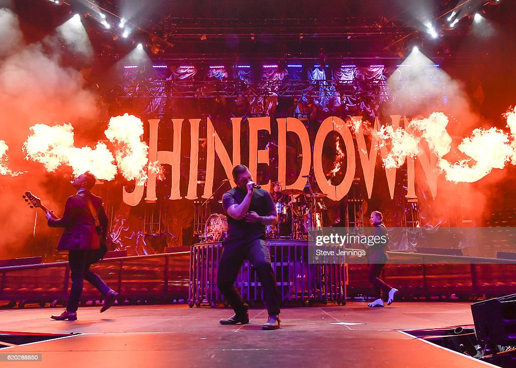 Five Finger Death Punch, Shinedown And Sixx: A.M. Perform At SAP Center : News Photo