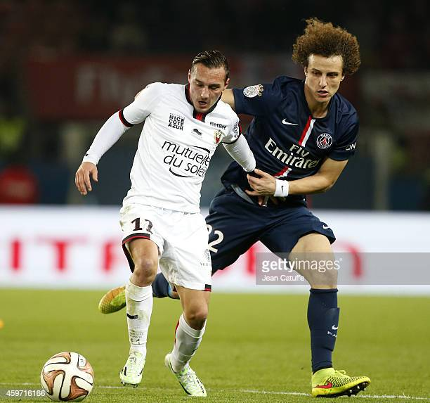 Eric Bautheac of Nice and David Luiz of PSG in action during the French Ligue 1 match between Paris SaintGermain FC and OGC Nice at Parc des Princes...