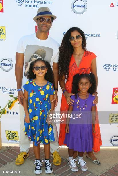 Eric Benet Manuela Testolini Lucia Bella Benet and Amoura Luna Benet attend LA Loves Alex's Lemonade 2019 at UCLA Royce Quad on September 14 2019 in...
