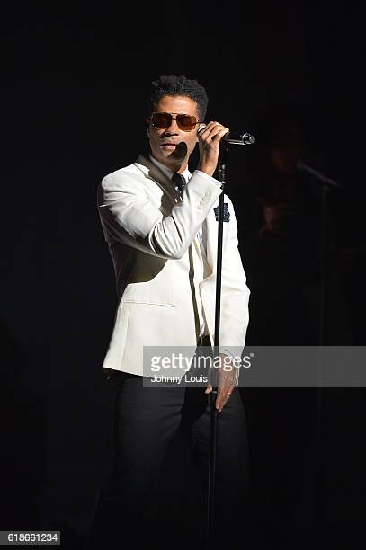 Eric Benet performs onstage at Broward Center For The Performing Arts on October 27 2016 in Fort Lauderdale Florida