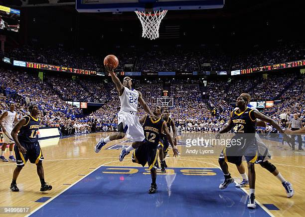 Eric Bledsoe of the Kentucky Wildcats shoots the ball during the game against the Drexel Dragons at Rupp Arena on December 21 2009 in Lexington...