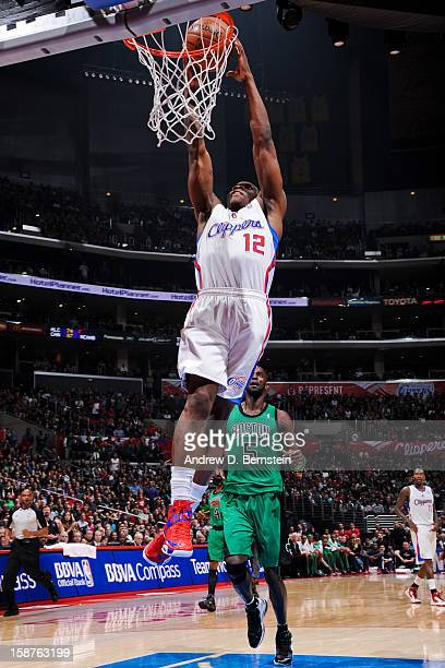 Eric Bledsoe of the Los Angeles Clippers dunks against the Boston Celtics on December 27 2012 at the Staples Center in Los Angeles California NOTE TO...