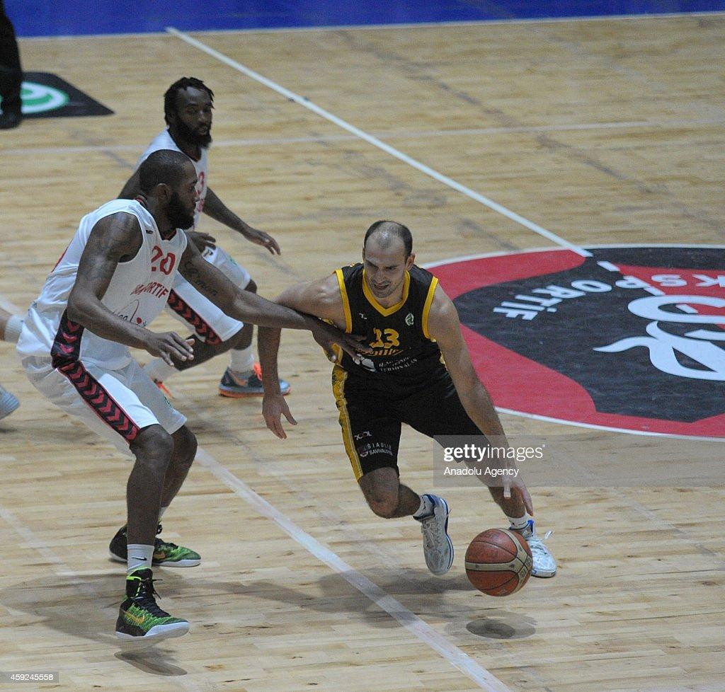 FIBA EuroChallenge - Usak Sportif vs BC Siauliai : News Photo