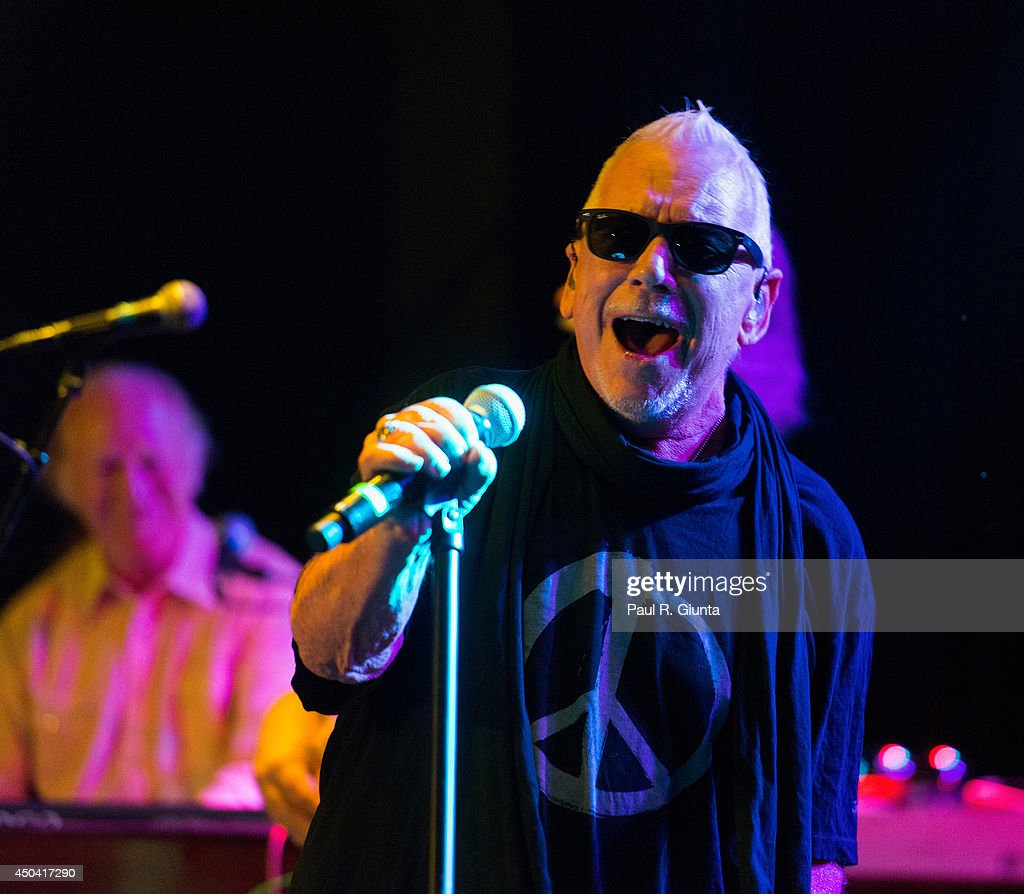 Eric Burdon & The Animals In Concert At The Roxy