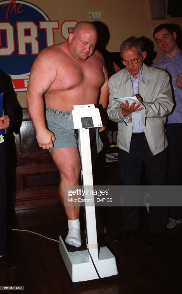 Boxing - WBF Four Round Super Heavyweight Championship - Eric 'Butterbean' Esch v Shane Woollas - Weigh In : News Photo