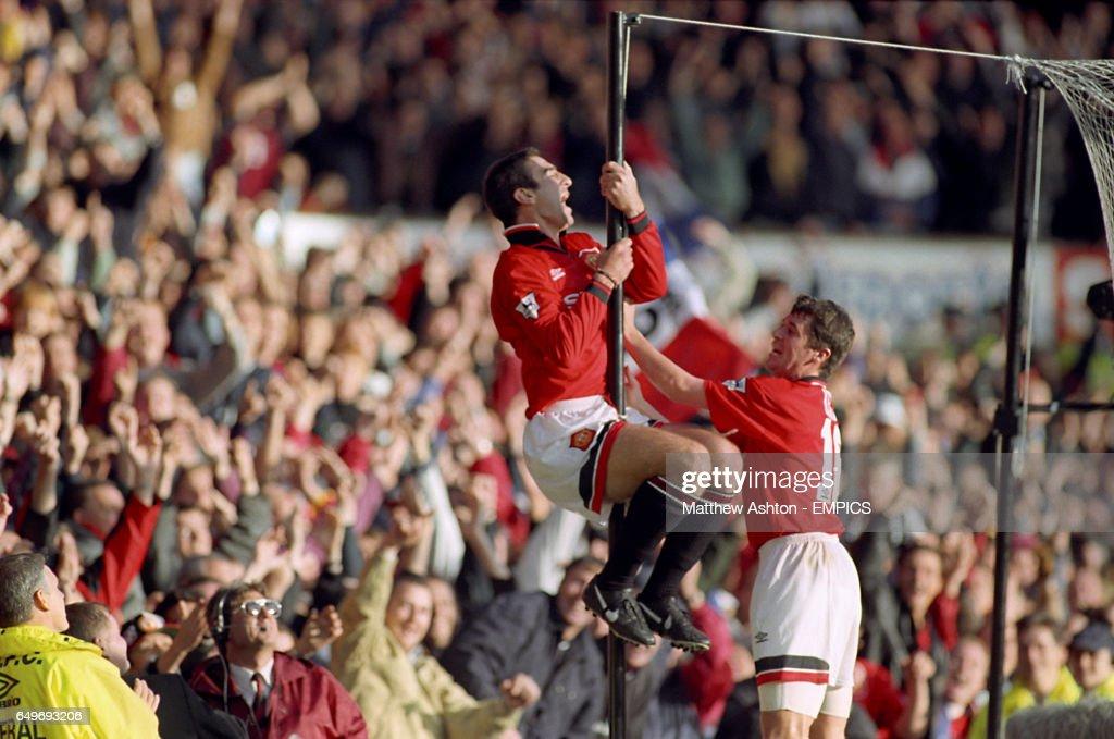 Soccer - FA Carling Premiership - Manchester United v Liverpool : News Photo