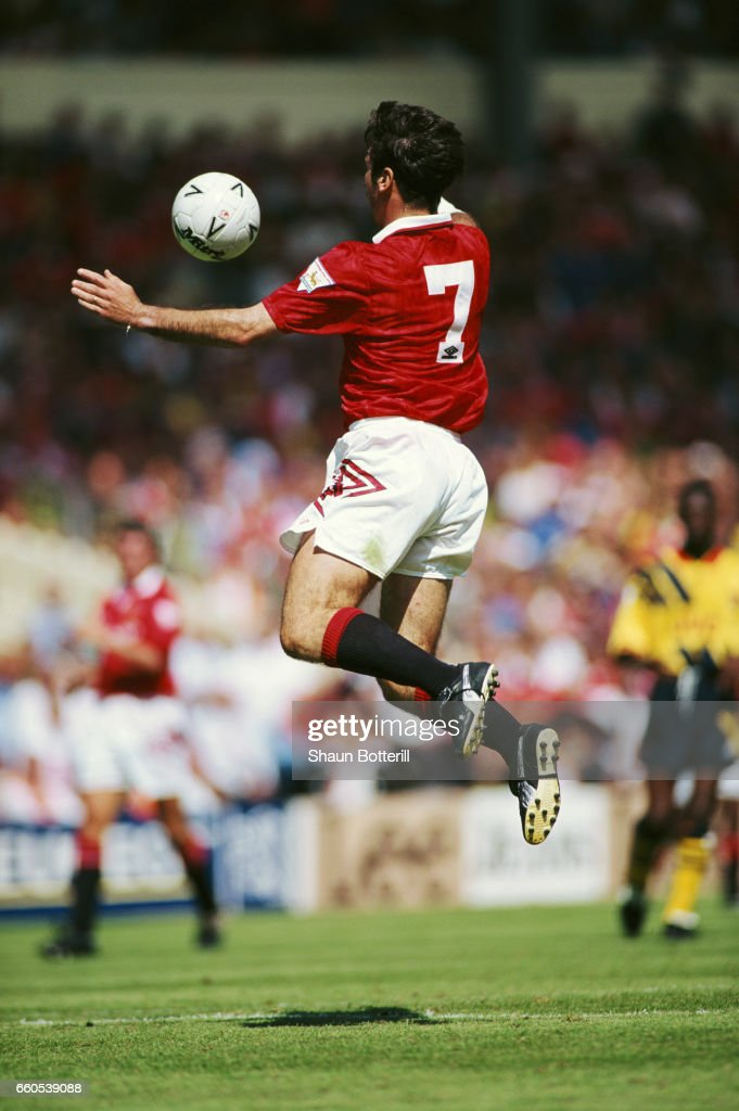 Eric Cantona Manchester United FA Charity Shield 1993 : News Photo