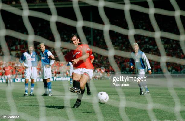 Eric Cantona of Manchester United scores from the penalty spot during the FA Charity Shield between Blackburn Rovers and Manchester United at Wembley...