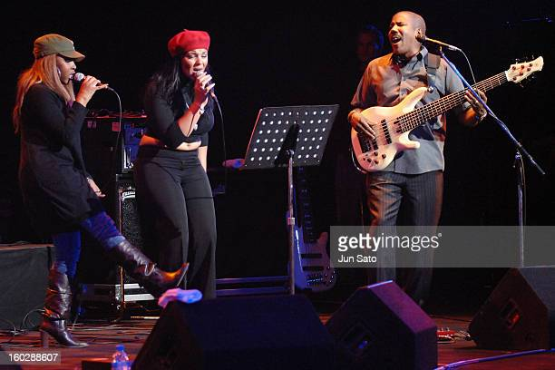 Eric Clapton singer Shar White Michelle John and Nathan East