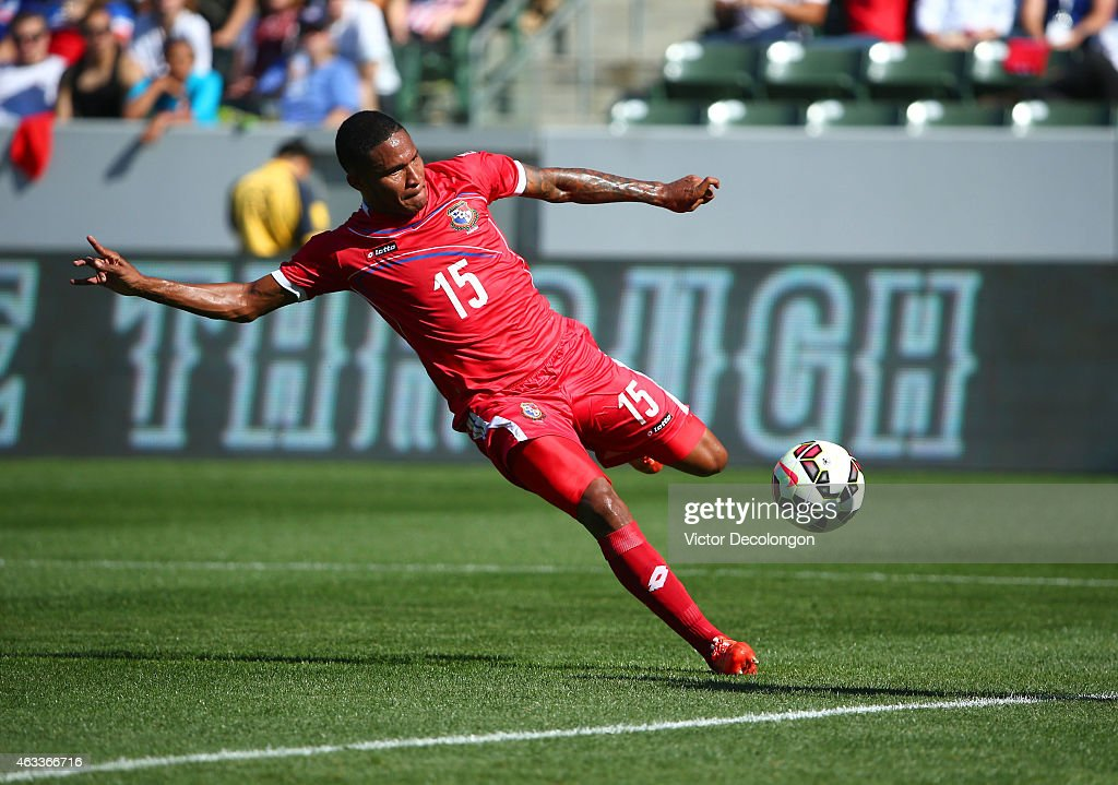 Eric Davis #15 of Panama moves to strike the ball in the first half during the international men's friendly match against the USA at StubHub Center on February 8, 2015 in Los Angeles, California.