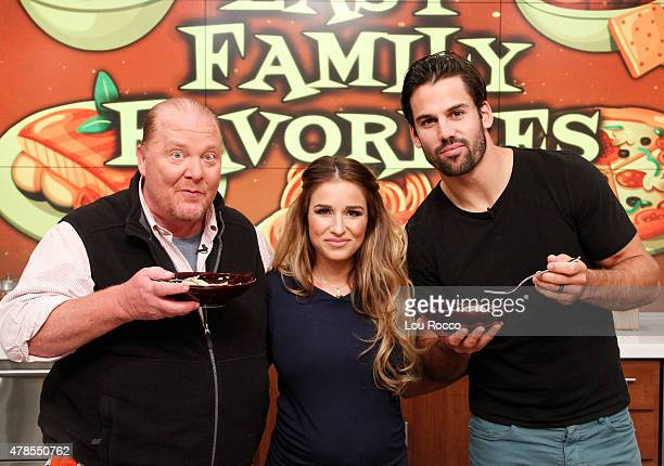 THE CHEW Eric Decker and Jessie James Decker are the guests Monday June 29 2015 on ABC's 'The Chew' 'The Chew' airs MONDAY FRIDAY on the ABC...