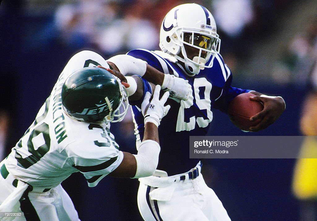 best service 97952 261c2 Eric Dickerson of the Indianapolis Colts carries the ball as ...