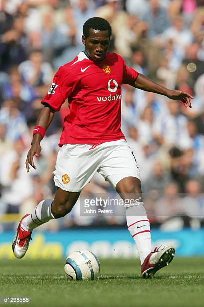 Eric DjembaDjemba of Manchester United in action during the Barclays Premiership match between Blackburn Rovers and Manchester United at Ewood Park...