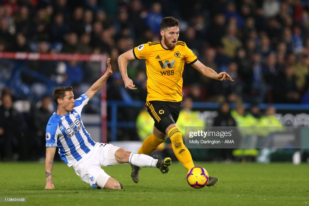 Huddersfield Town v Wolverhampton Wanderers - Premier League : News Photo