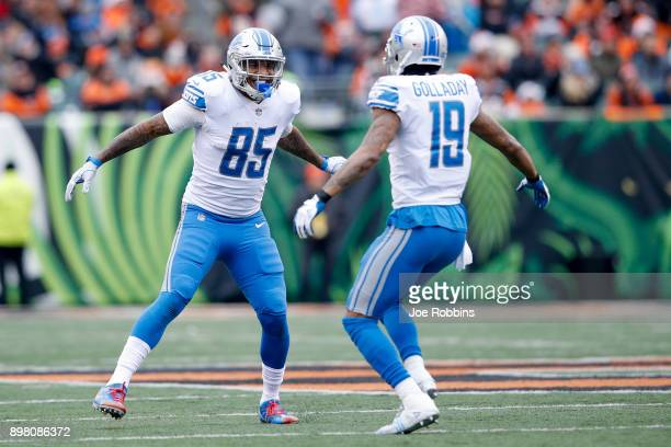 Eric Ebron of the Detroit Lions celebrates with Kenny Golladay against the Cincinnati Bengals during the first half at Paul Brown Stadium on December...