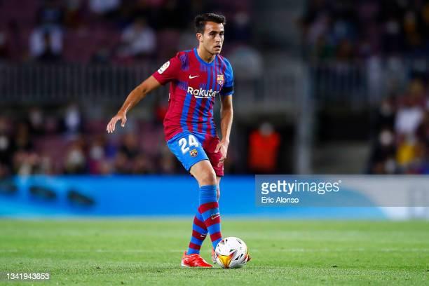 Eric García of FC Barcelona controls the ball during the La Liga Santander match between FC Barcelona and Granada CF at Camp Nou on September 20,...