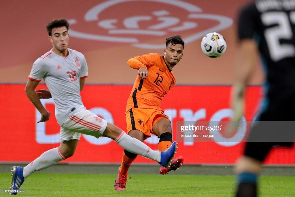 Holland  v Spain  -International Friendly : News Photo