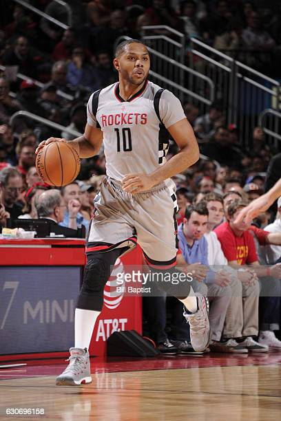 Eric Gordon of the Houston Rockets handles the ball against the LA Clippers on December 30 2016 at the Toyota Center in Houston Texas NOTE TO USER...