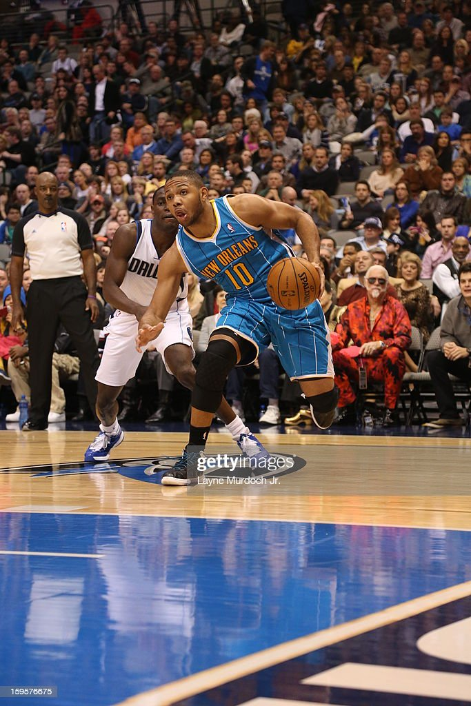 Eric Gordon #10 of the New Orleans Hornets drives to the basket against the Dallas Mavericks on January 05, 2012 at the American Airlines Center in Dallas, Texas.