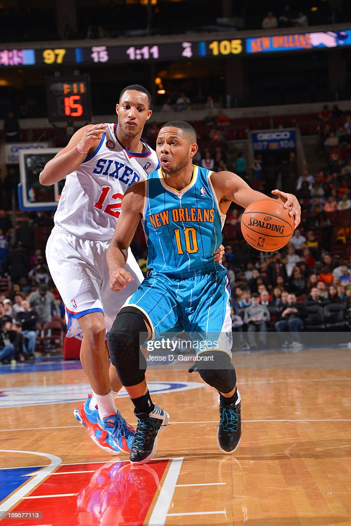Eric Gordon #10 of the New Orleans Hornets drives to the basket against the Philadelphia 76ers at the Wells Fargo Center on January 15, 2013 in Philadelphia, Pennsylvania.