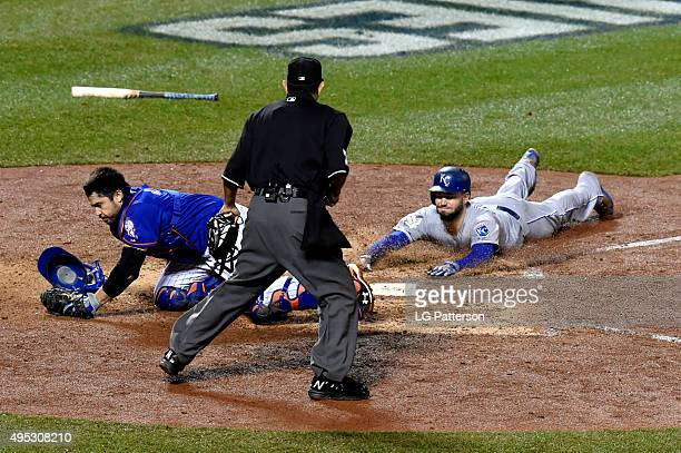 Eric Hosmer of the Kansas City Royals scores the game tying run in the top of the ninth inning of Game 5 of the 2015 World Series against the New...