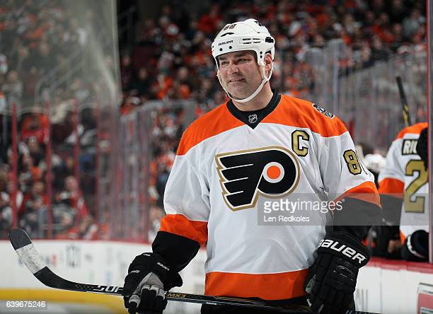 Eric Lindros of the Philadelphia Flyers Alumni looks on against the Pittsburgh Penguins Alumni on January 14 2017 at the Wells Fargo Center in...