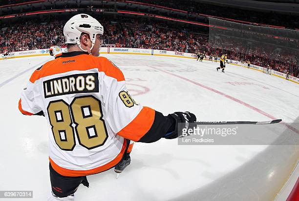 Eric Lindros of the Philadelphia Flyers Alumni looks on during warmups prior to his game against the Pittsburgh Penguins Alumni on January 14 2017 at...