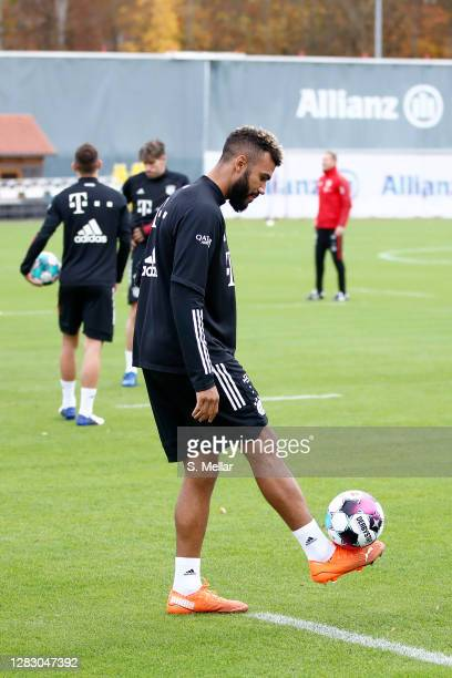 Eric Maxim ChoupoMoting of FC Bayern Muenchen controls the ball during a training session at Saebener Strasse training ground on October 30 2020 in...